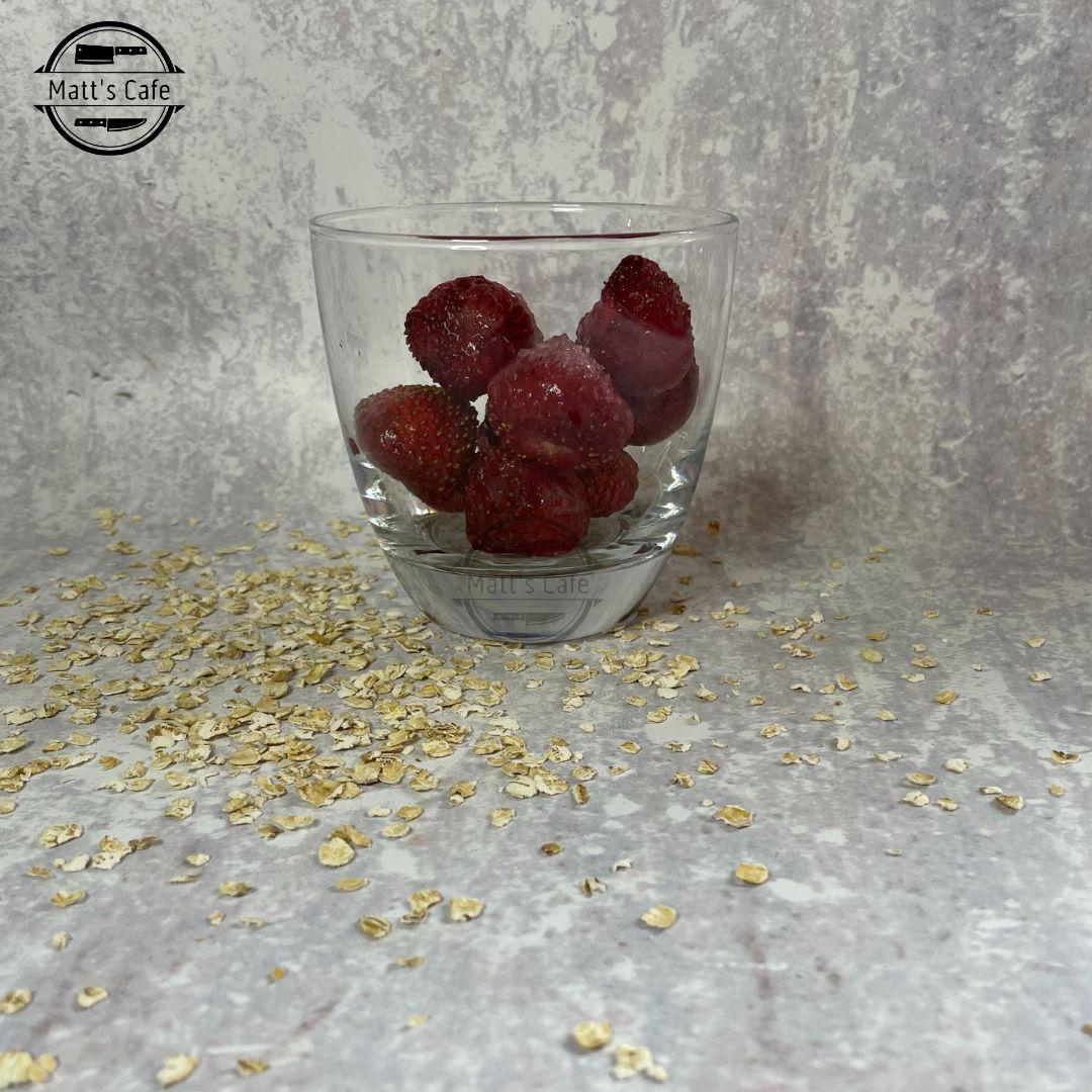 Slimming World Strawberry Milkshake Overnight Oats Recipe